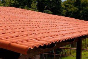 telhado com telhas de plastico